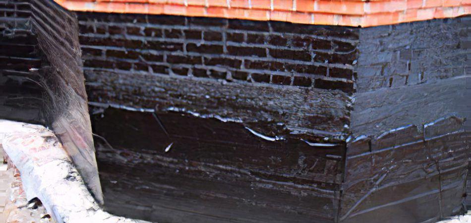 Гидроизоляционный состав на стене